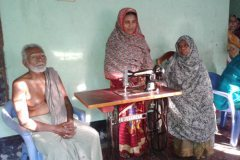 bangladesh_sewing_machines_16_20141021_1911494464